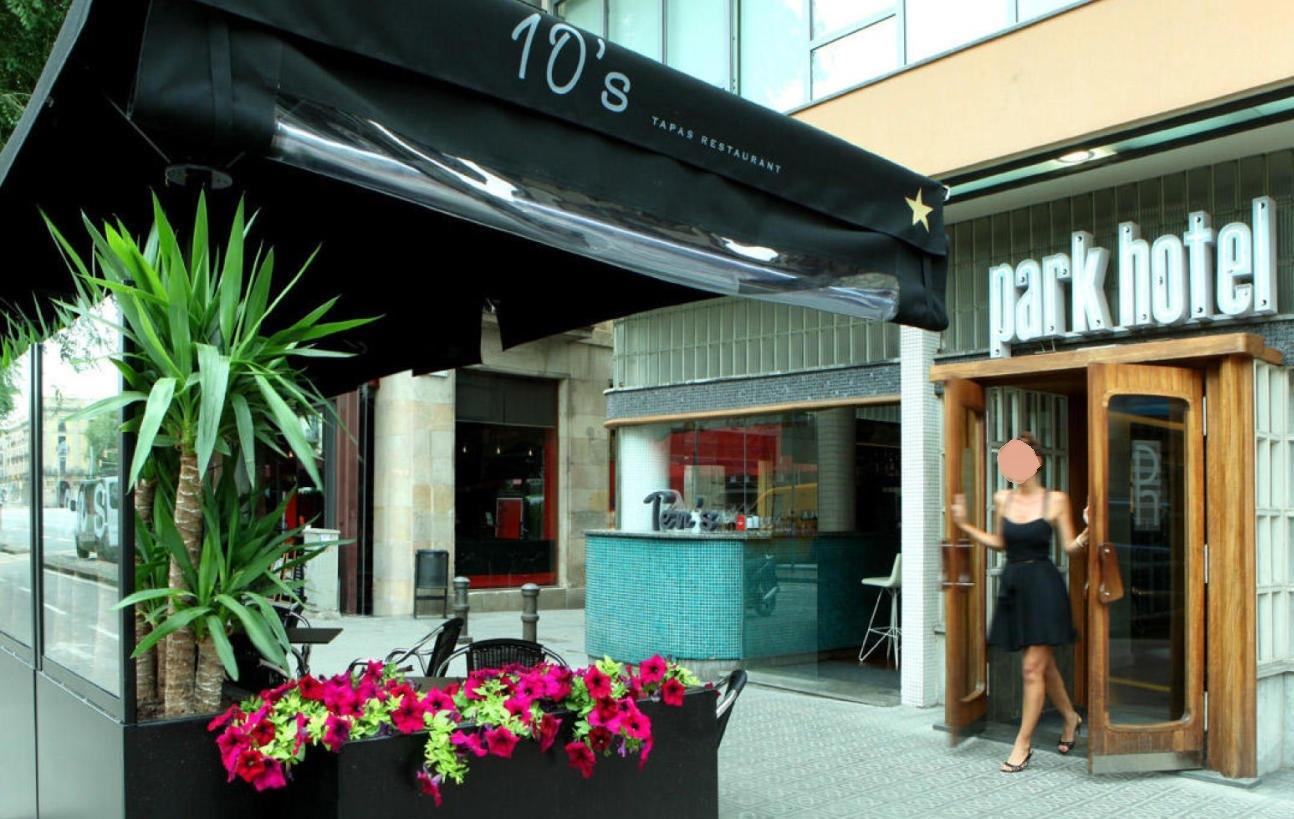 Restaurante Cosme Pequeña terraza enfrente de la Estación de Francia, a pocos metros del Born.