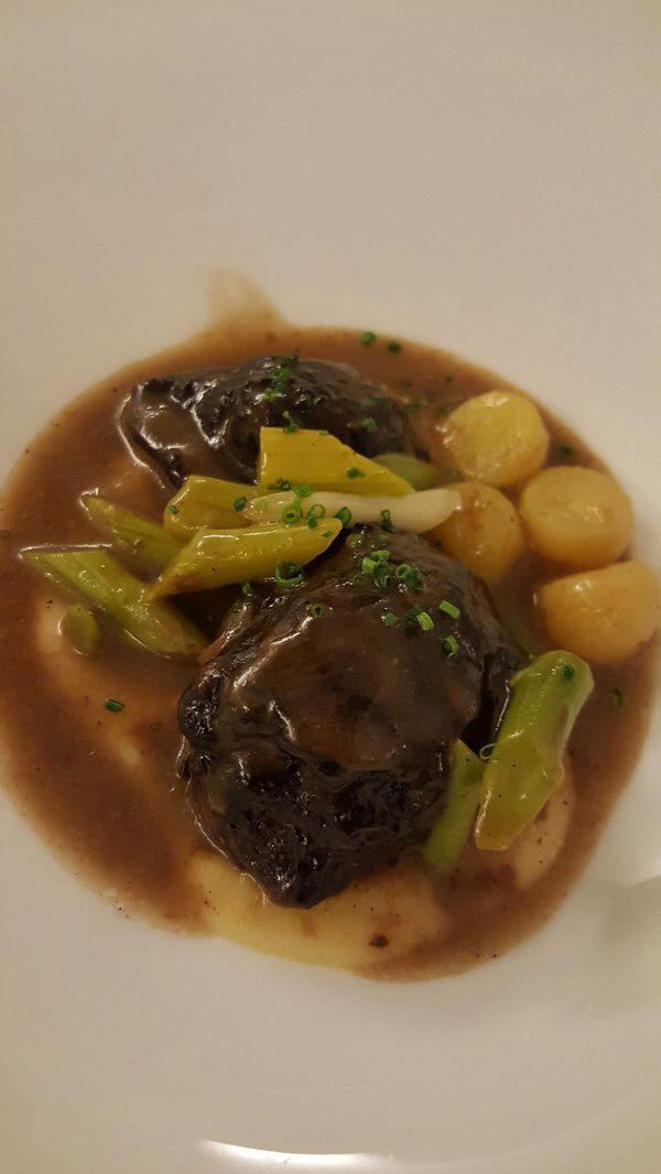 Restaurante en Madrid Carrillera de cerdo con jardinera de verduritas