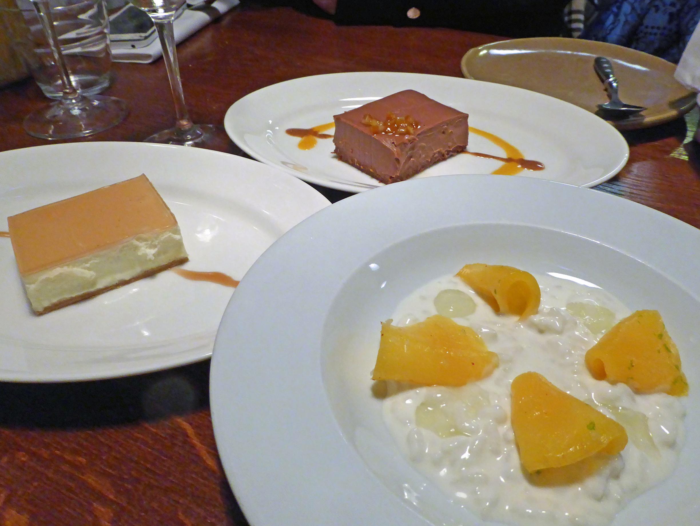 Suculent Pastel de queso Brie a la vainilla de Tahití y gelée de Moscatel, Pastel de chocolate con cítrico y Arroz con leche de coco, mango, lima y chile