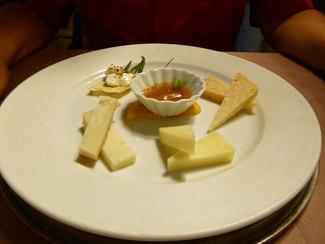 Selezione di formaggi tipici del nostro territorio