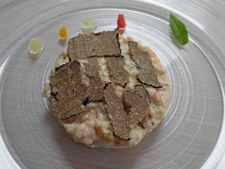 Restaurante en Figueres Tartar de lubina con citricos y trufa Aestivum