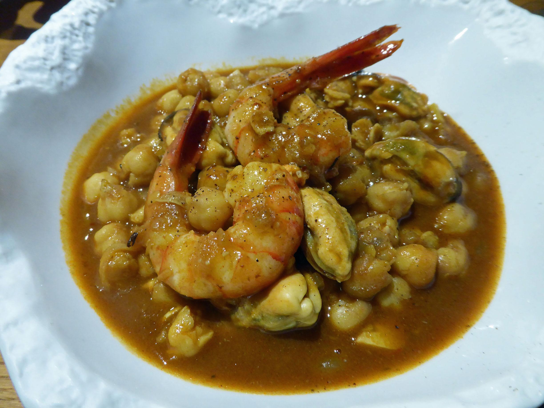 Restaurante Estimar Cigrons de Fuentesauco amb musclos i gambetes de Roses