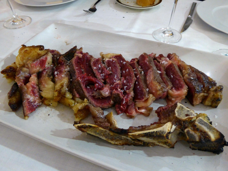 Restaurante en Beniferri Chuleta de vaca vieja de León de 40 días de maduración