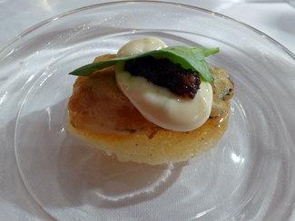 Ostra en tempura con mahonesa de lima y tuétano reducido