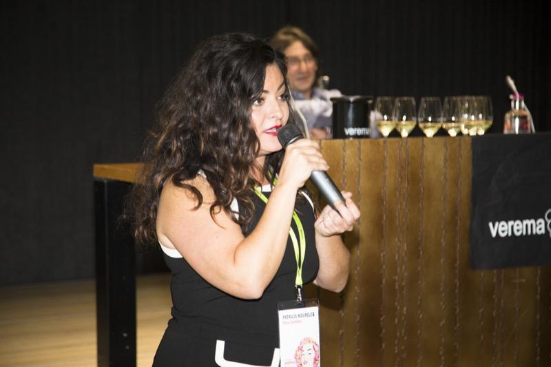 Patricia representante de Viña Costeira