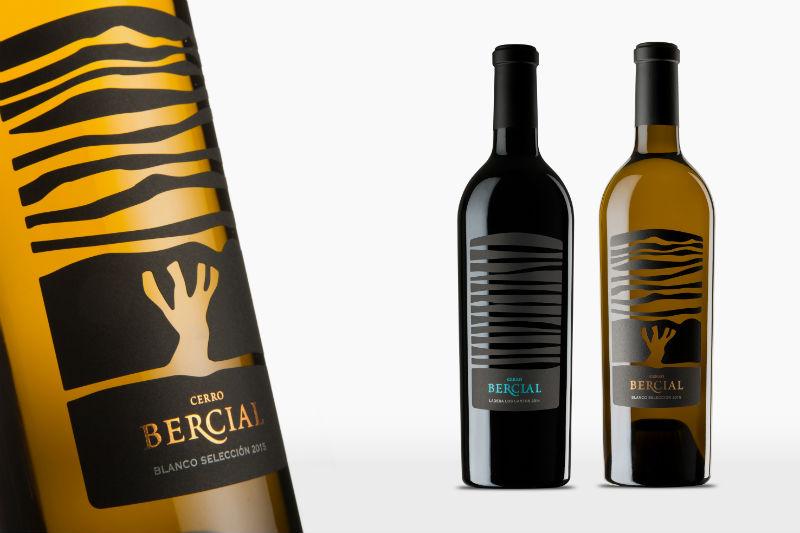 Vinos Sierra Norte, tinto y blanco