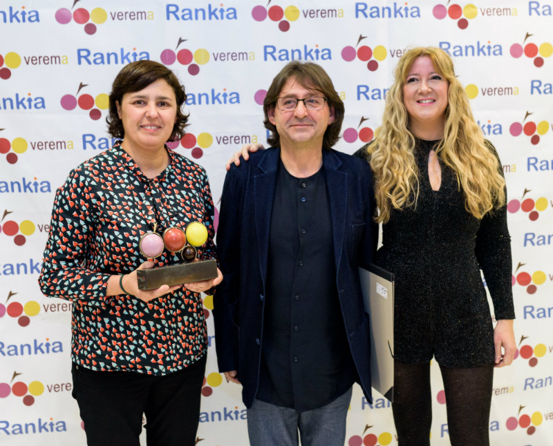Felicisimo Pereira, Cristina Alcalá y Esther Láez en la entrega de los premios Verema