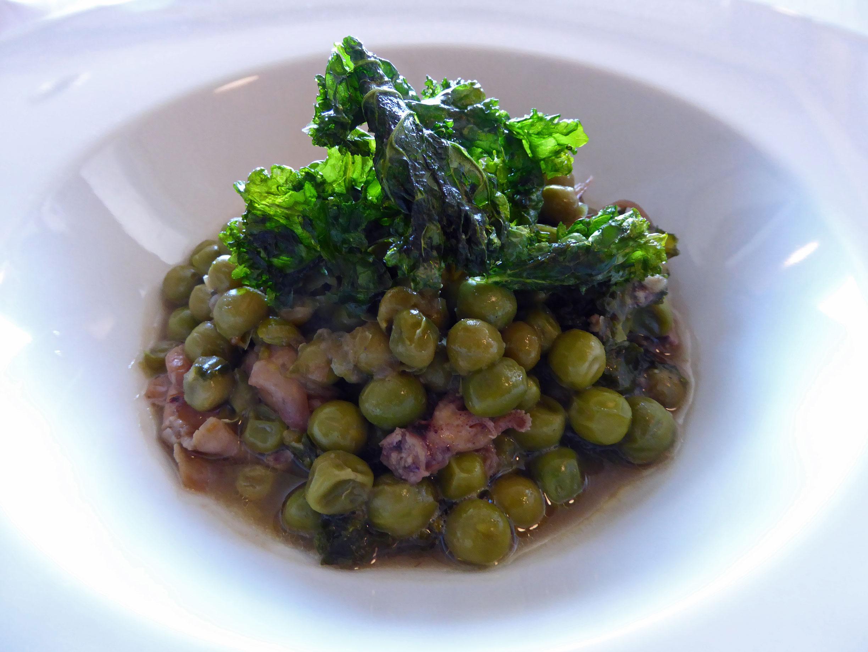 Restaurante El Motel Guisantes estofados con chipirones y col kale