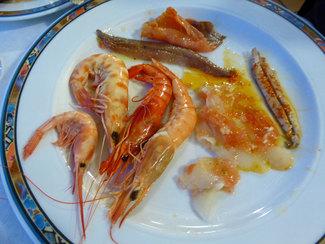 Marisco de la Rápita al vapor, anchoas y bacalao marinado