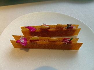 Higaditos de pichón con manzana y remolacha