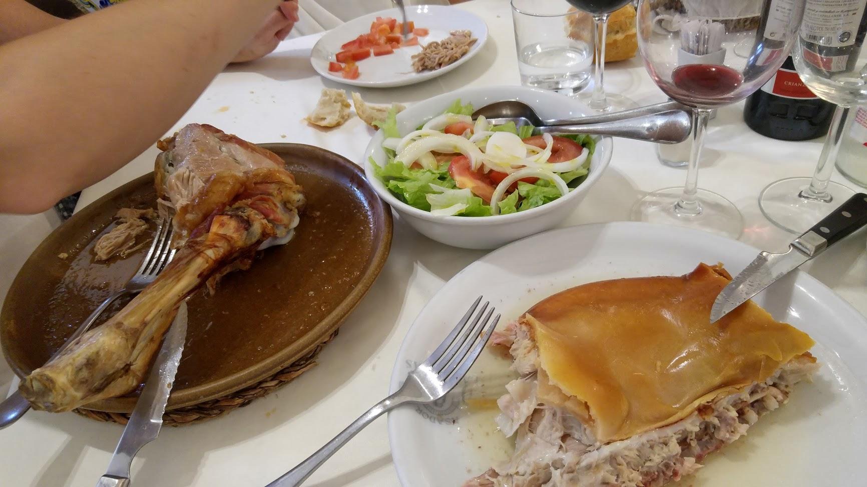 Restaurante Asador Las Cubas El lechazo, tostón y la ensalda