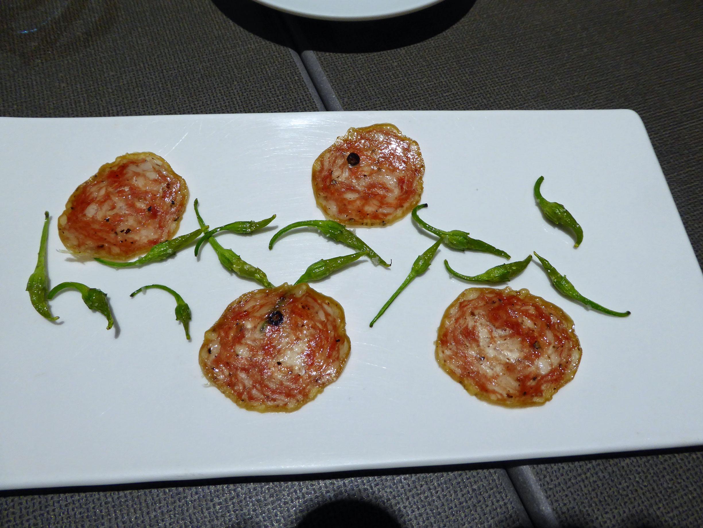 """Restaurante Els Casals """"Bitxus"""" con longaniza"""