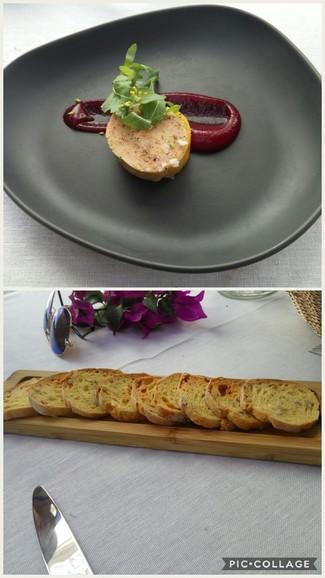 Terrina de foie, puré de remolacha y tostadas de maíz