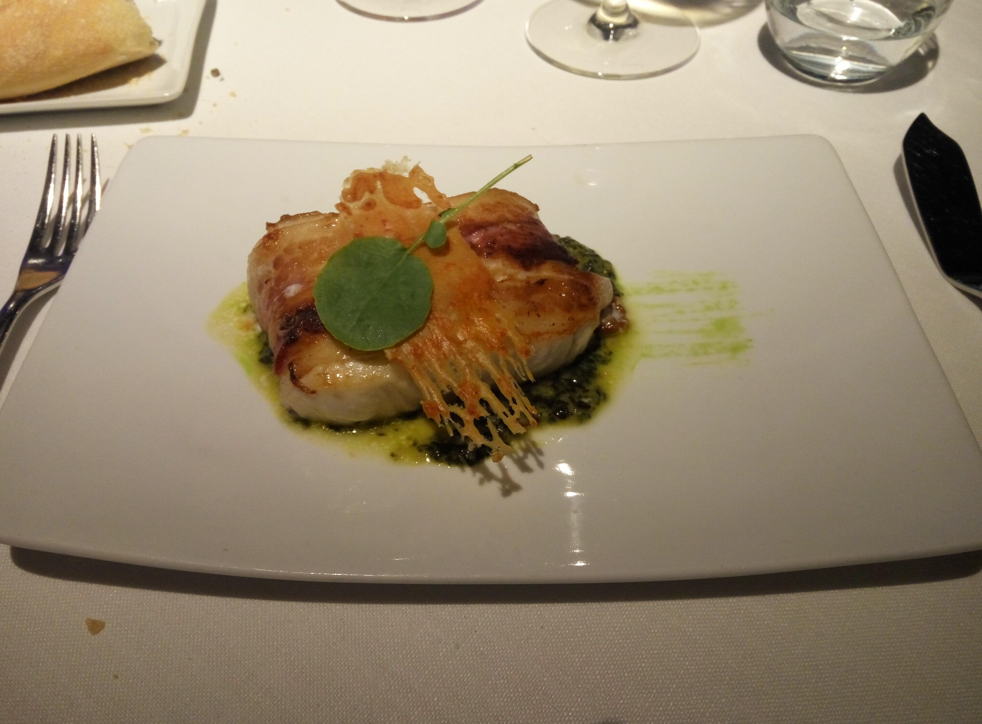 Restaurante en Hondarribia Merluza con panceta y espinacas trufadas