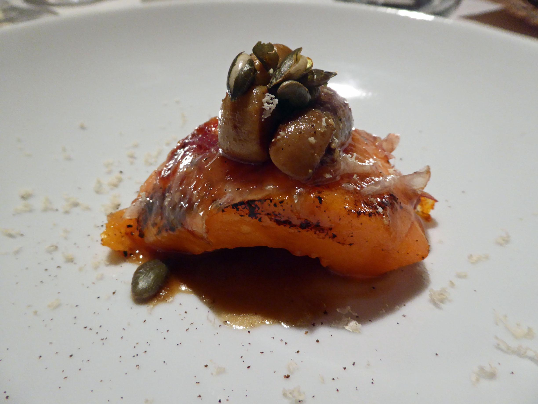 Restaurante en Barcelona Calabaza confitada con jamon ibérico y boletus