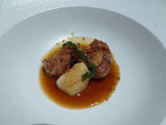 Molleja de ternera con vieira y salsa de rustido