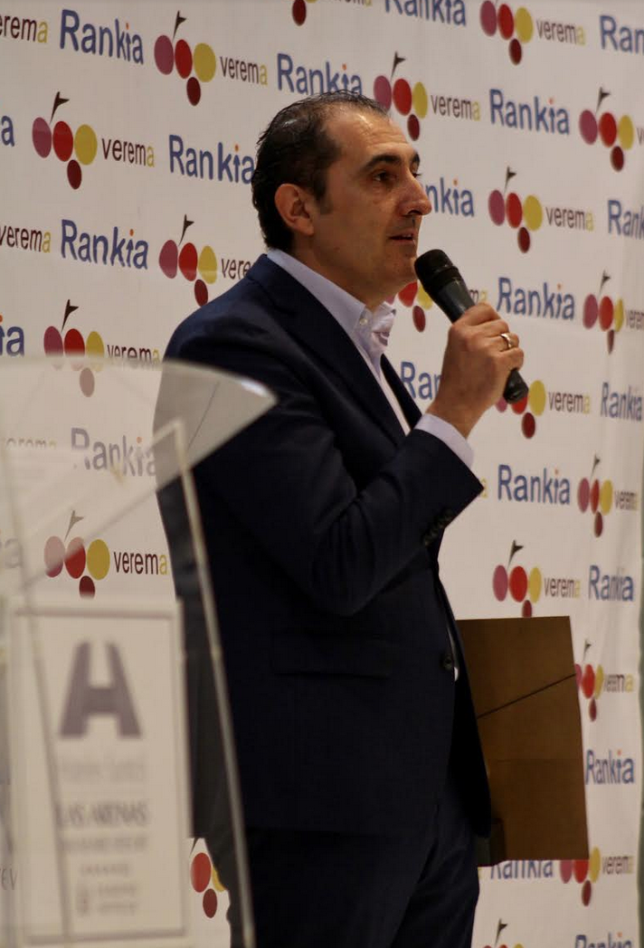 Rodolfo Bastida en la entrega de los Premios Verema al Personaje del mundo del vino