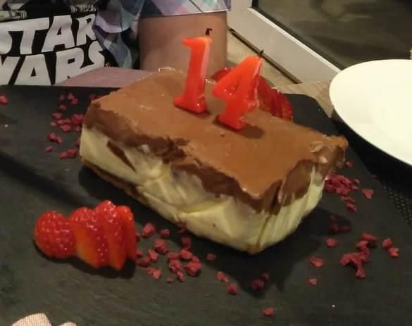 Quinze Ous La tarta de cumpleaños de mi hijo.