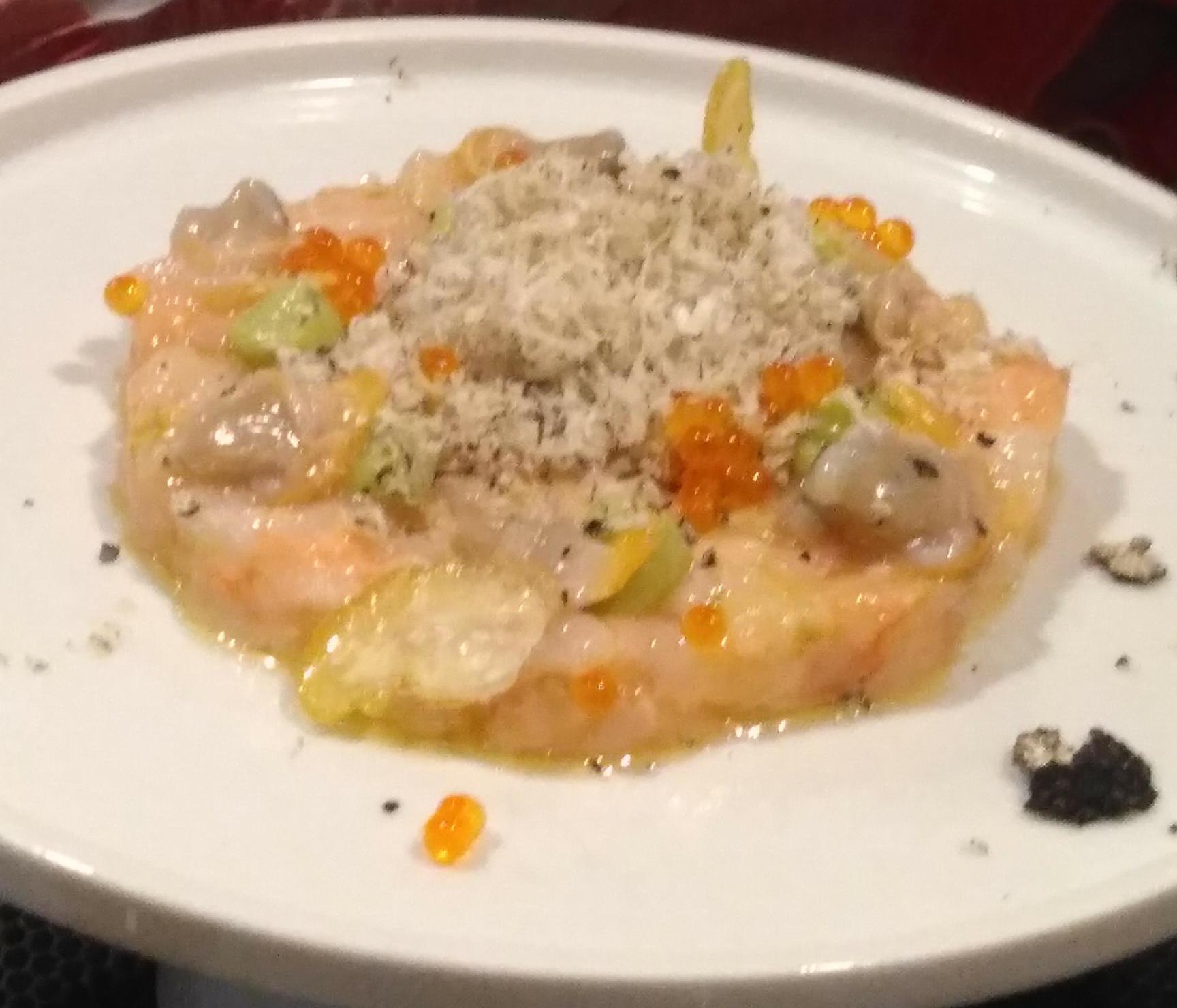 Restaurante Quinze Ous Tartar de cigalas.