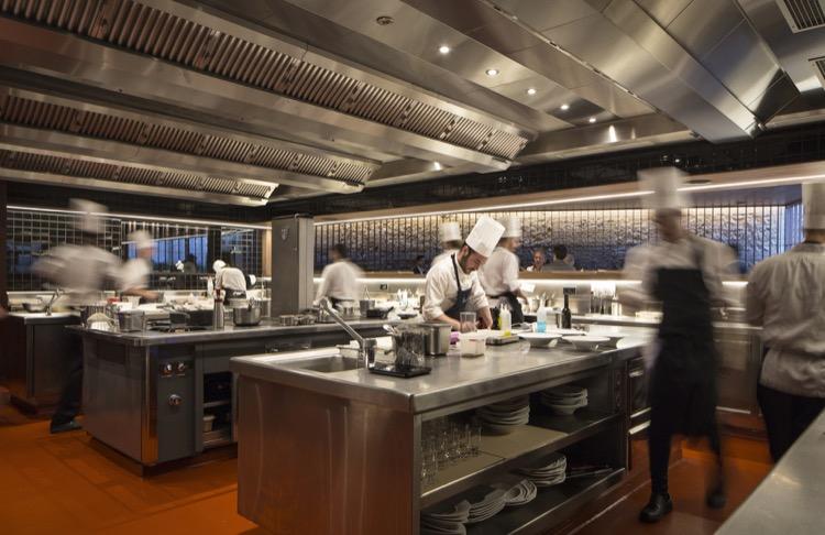Cocina restaurante Ricard Camarena