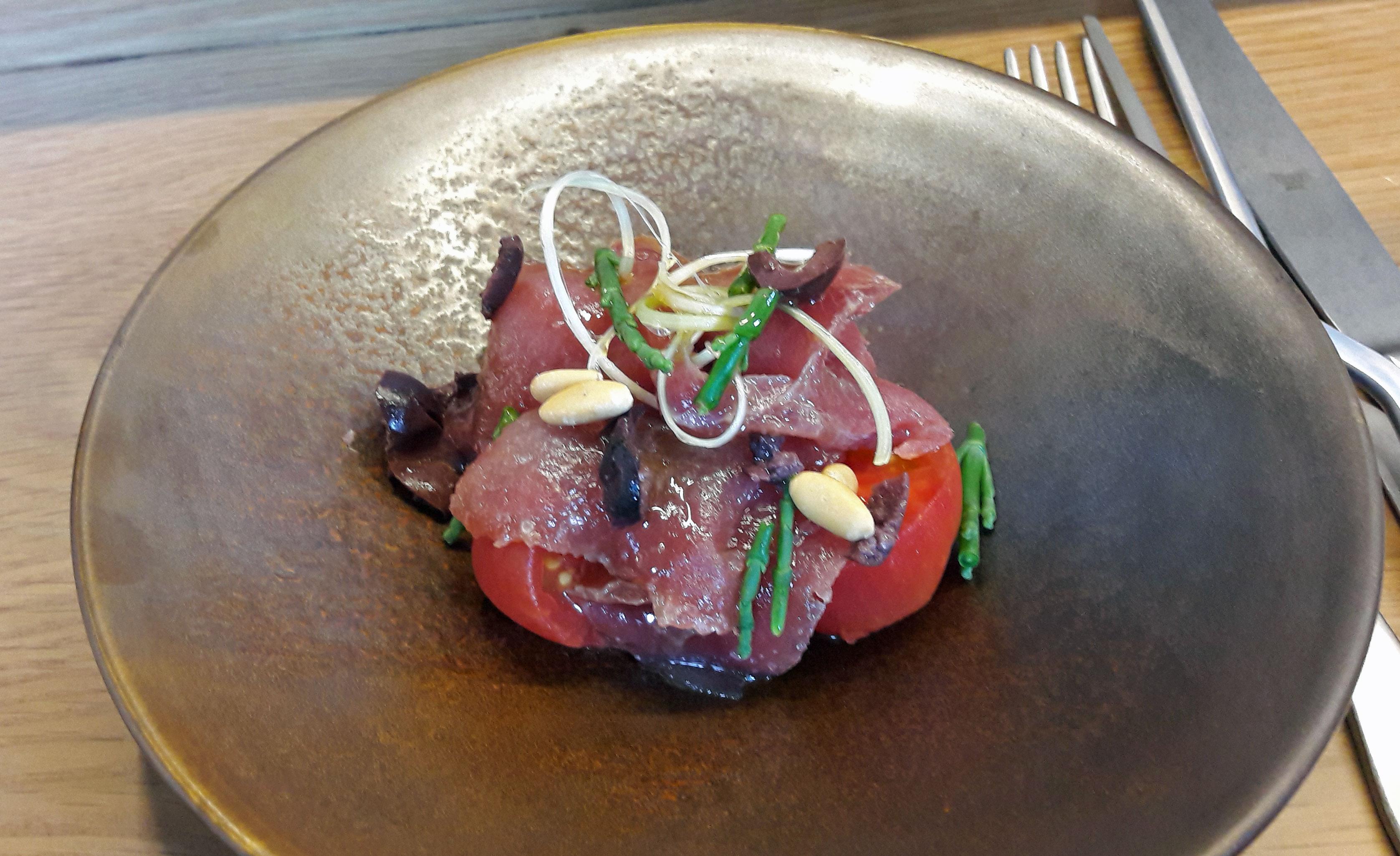 """Restaurante en Barcelona """"Esqueixada"""" de atun rojo del meditrrraneo"""