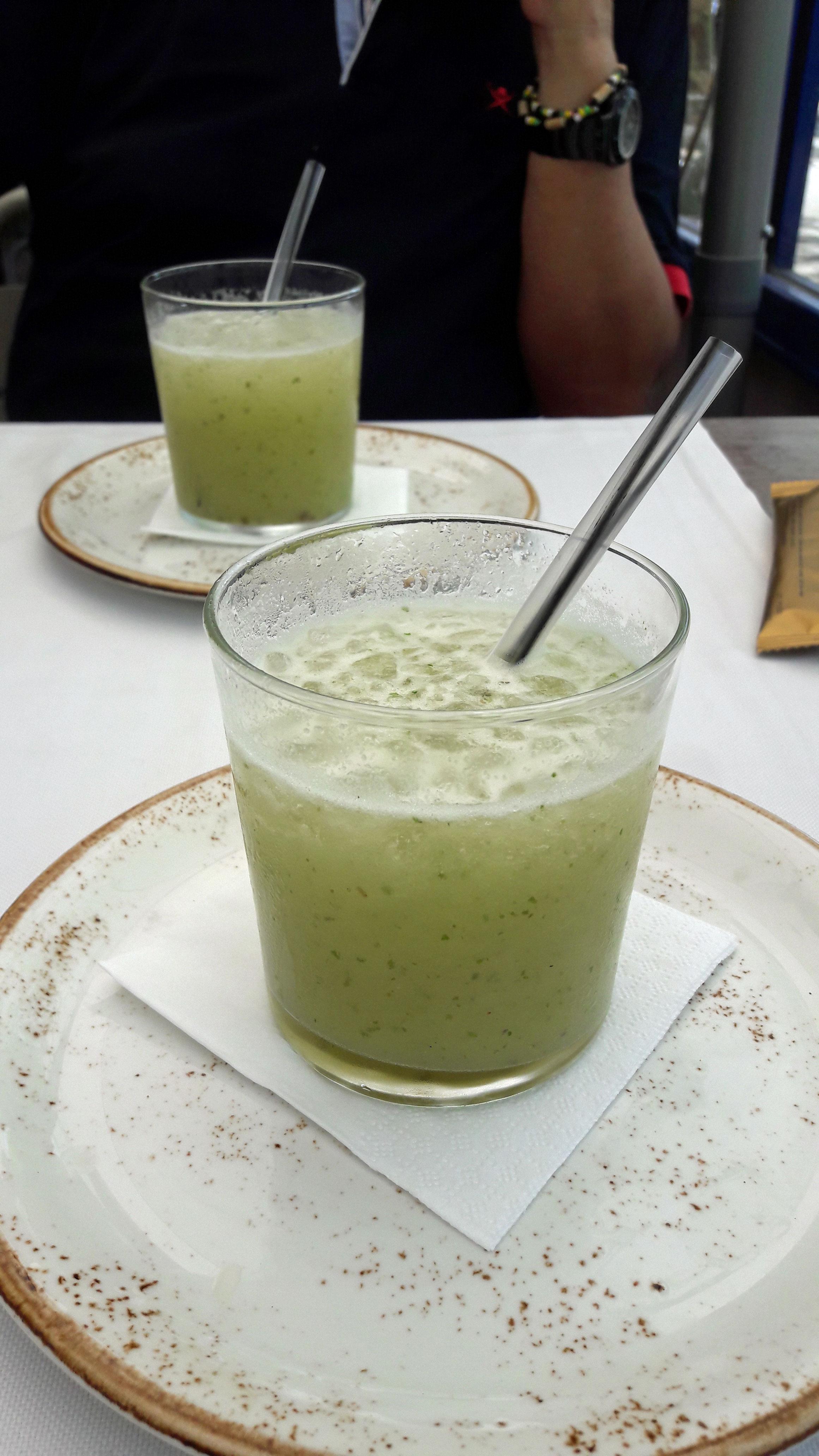 Restaurante La mar Salada Granizado de manzana verde con menta, cilantro y ginebra