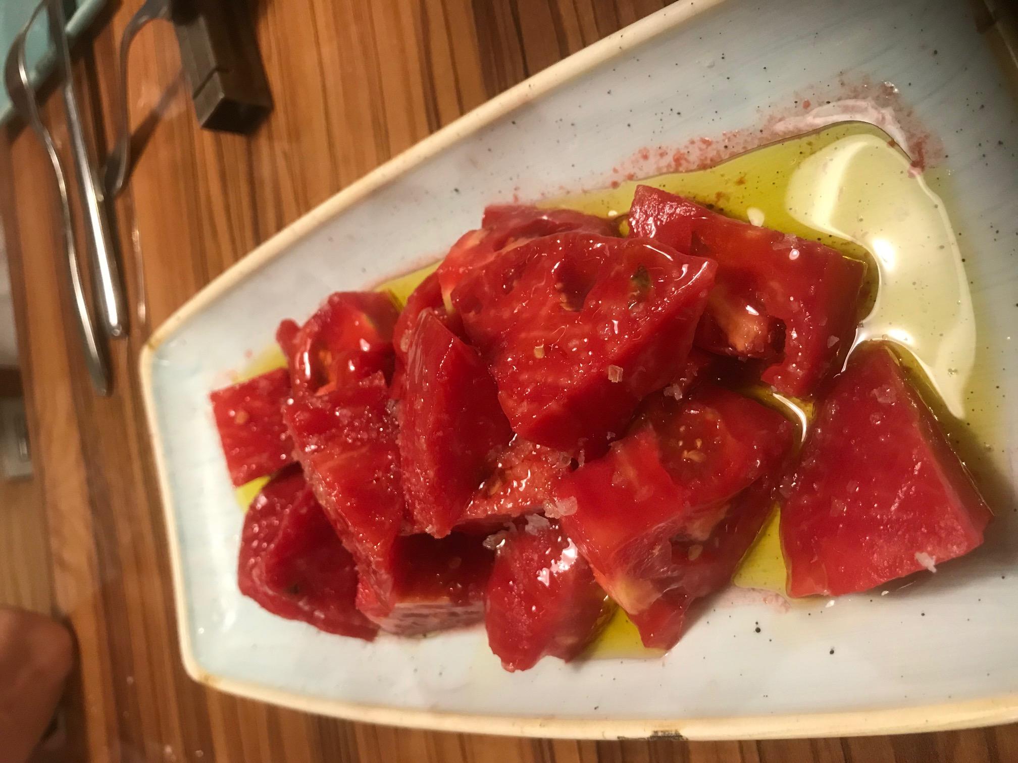 Restaurante AQ restaurant Ese tomate para chuparse los dedos...y mojar pan.