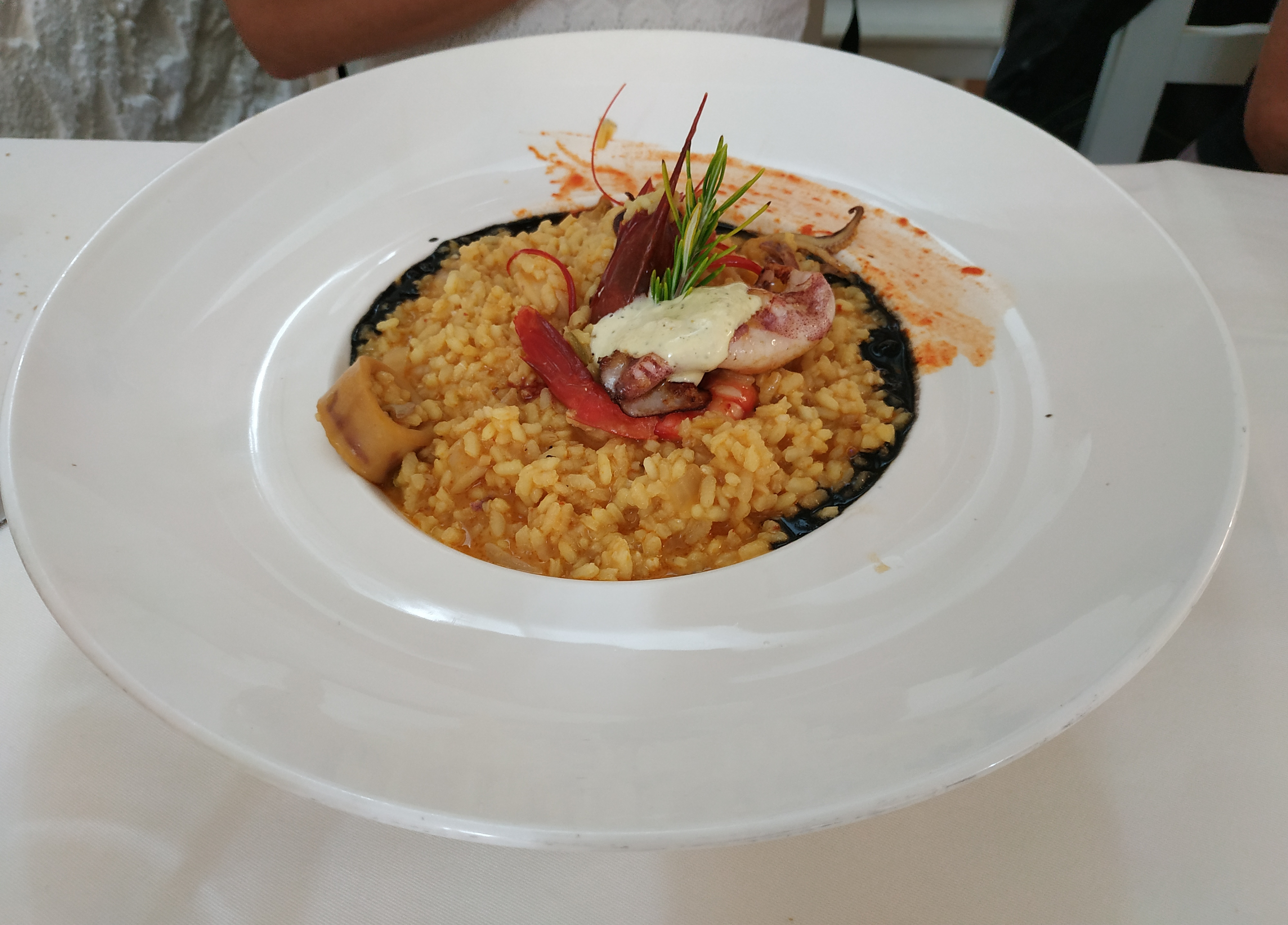 Restaurante La nogalea Arroz con chipirones y carabineros