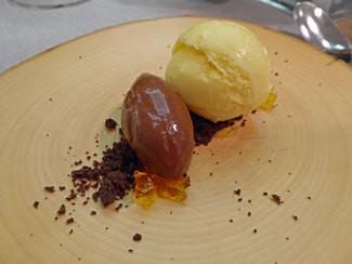 Postres de azafrán del Montsec, chocolate y cacao