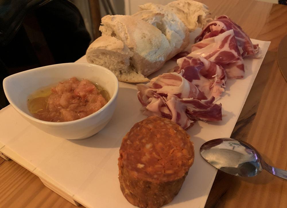 Restaurante El Mirador Jamón ibérico y sobrasada artesana de Guadalest