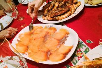 Langostinos y salmón ahumado