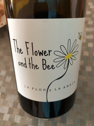 The flower and the bee Sousón 2016
