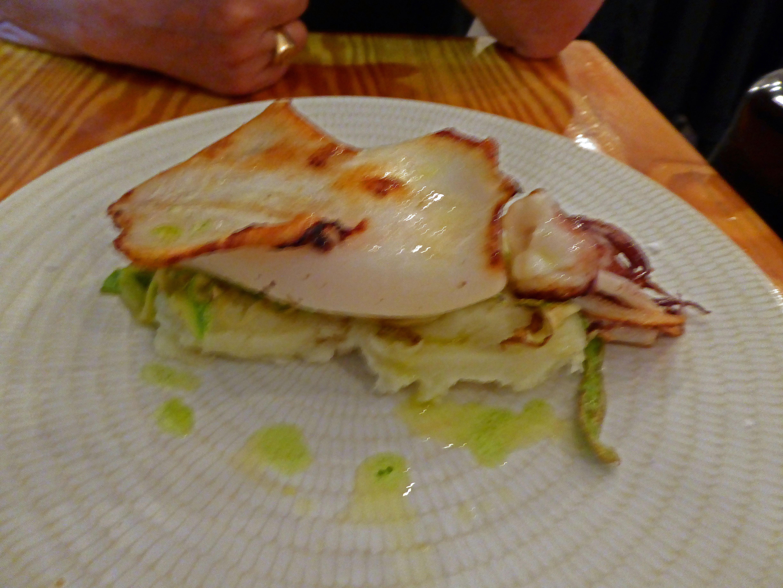 Restaurante Naia - Mikel Otaegui Calamar sahariano sobre crema de papas y calabacin