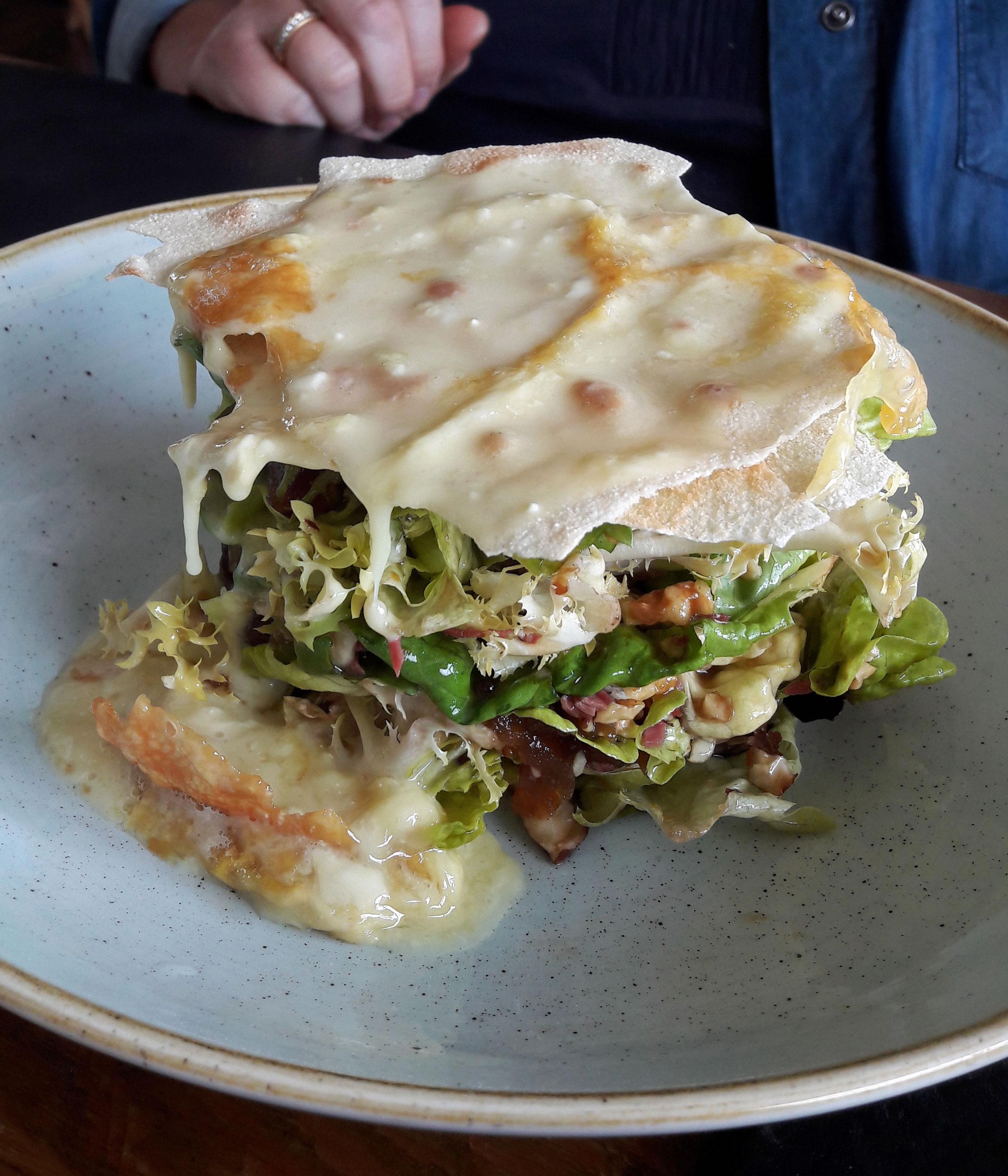 Panoramix en Molló Ensalada de queso de cabra de alta montaña