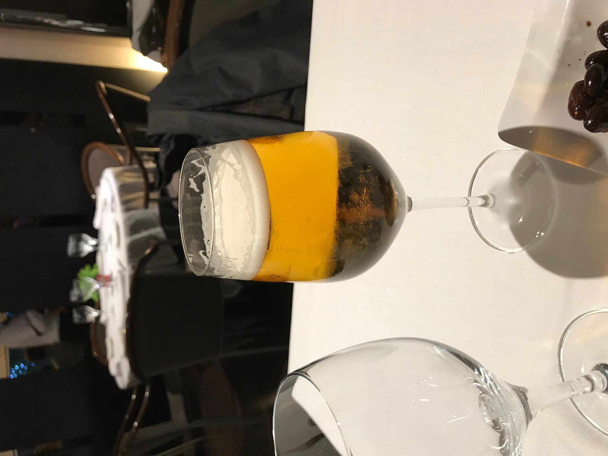 Restaurante en Andorra la Vella Y acompañar la cerveza.
