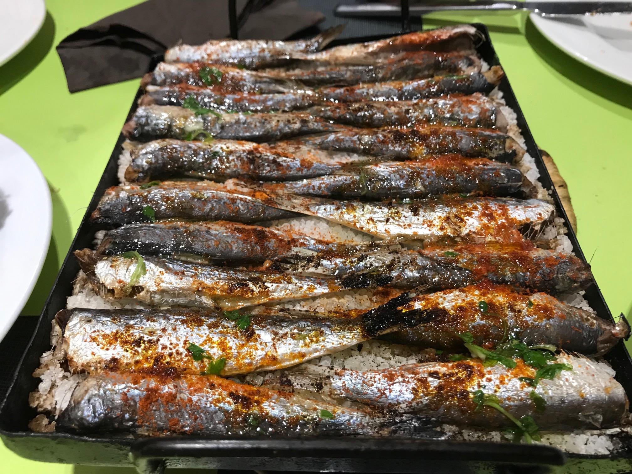 La Mossegada Las sardinas el plato estrella.