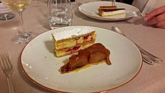Tarta Tatin y Mil hojas de frambuesas / Cheesecake con grosella y flan.