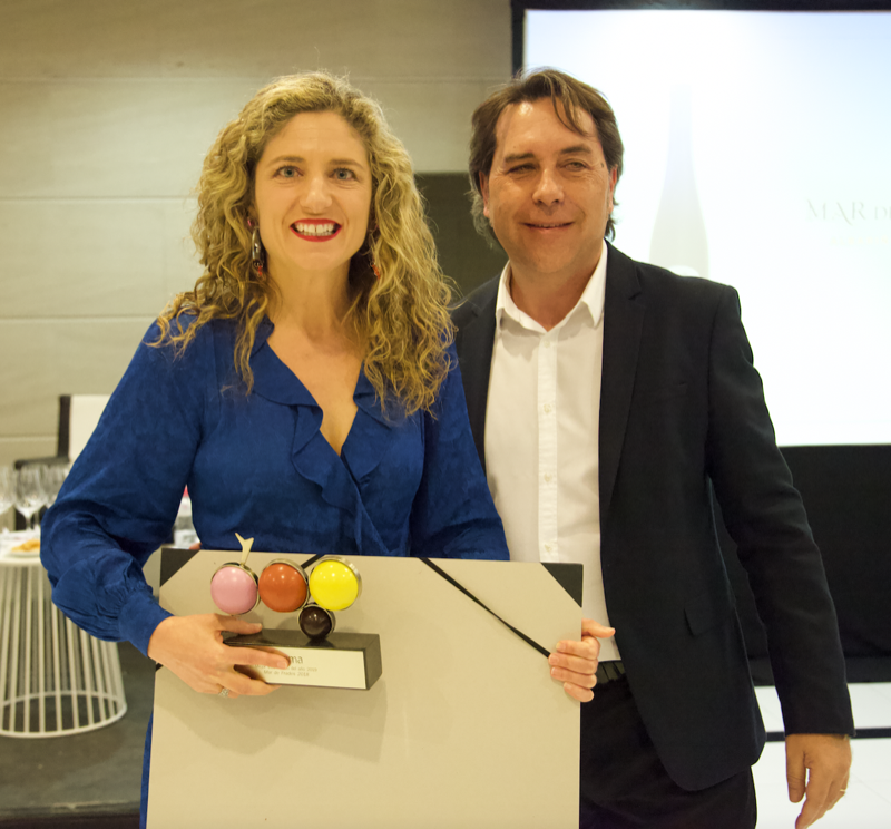 Paula Fandiño enóloga de Mar de Frades y Josep Gallego