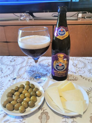 Maridaje con olivitas y queso curado