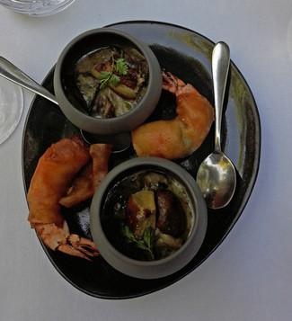 Gambas rebozadas y un pequeño guiso de Boletus y foie-gras
