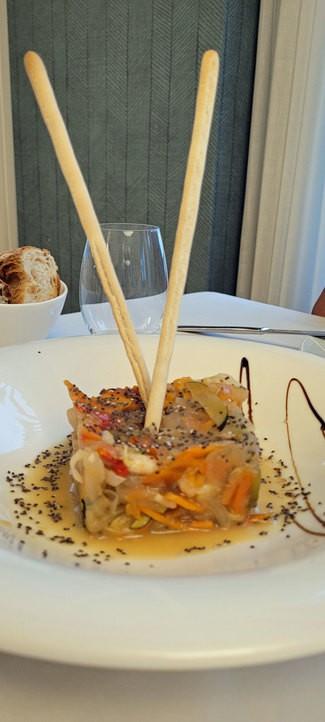 Wok de vieiras y camarones con verduritas